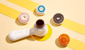 The Best Clarisonic Brush Heads For Every Skin Concern