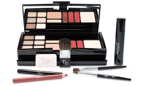 makeover essentials weekly essentials 20 piece makeup kit