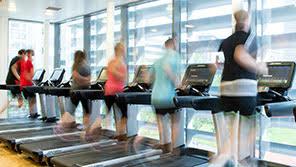 gym members treadmills
