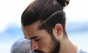 Coupe De Cheveux Homme Long Attache Dessus Court Cote
