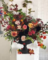 Floral Design Classes Chicago Flower Urn On A Pedestal At Trinity Buoy Wharf Filled With