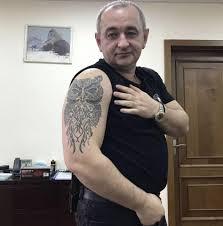 специалисты объяснили что означает татуировка прокурора матиоса с