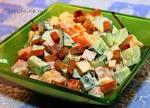 Салат из ветчины помидор сыра и сухариков