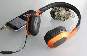 kef m400. farbenfroh aber weder knallig, noch aufdringlich: die farbkombination orange/schwarz weiß zu gefallen kef m400