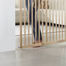 wall fix extending wooden safety gate  baby gate  lindam