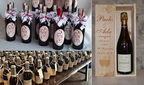 Vediamo allora quali sono le migliori frasi originali sul vino, frasi divertenti, frasi d'amore, frasi d'amicizia, frasi su donne e uomini e. 10 Idee Per Le Bomboniere O Wedding Favors Bomboniere Matrimonio In Italia Bomboniere Matrimonio Fai Da Te