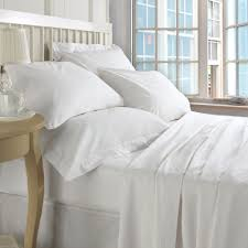 white bed sheets. Superior Soft-Plush Organic 100% Cotton Sheet Set (550 TC) - MyOrganicSleep White Bed Sheets