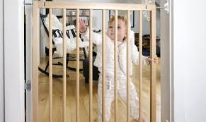 lindam baby gate wooden thing safety