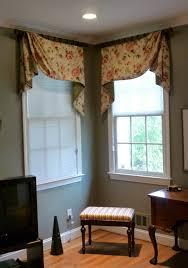 Corner Window Support Detail. Unique Corner Window Design
