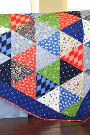 Triangle Quilt Tutorial — Sarah Jane Studios & quilt blog Adamdwight.com