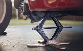 Having sold over 20,000+ electric car jacks worldwide. This Safe Car Jack Is A Better Way To Change Your Tire