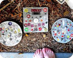 30 beautiful diy stepping stone ideas to decorate your garden funny stepping stones