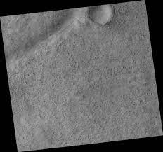 HiRISE | Icaria Fossae Crater Interior (PSP_003239_1270)