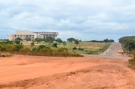 File:Fondation Félix-Houphouët-Boigny, depuis route Yamoussoukro.jpg -  Wikimedia Commons