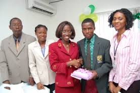 vision youth empowerment and restoration initiative cross section of vision 2020 team members and 2nd position winner rasaq oseni of grace high