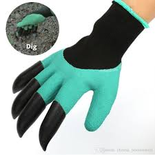2019 factory whole rubber gardening glove garden gloves for digging planting with plastic claw housekeeping cleaning from chinese wholers1