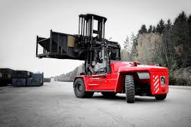 muletto carrello elevatore piu grande mai costruito attualmente Images?q=tbn:ANd9GcQfiKuPzYK21EbY-Zl6Lk4RVbAOM4Qa2SwpP4-Rftc7ezUx7rXD