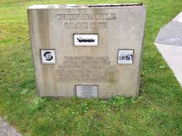 cemeteries of graveyards and things marker by the entrance to the cemetery recognizing the 2009 renovation of chief seattle s gravesite