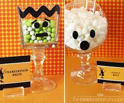 Decorated Candy Jars DIY Halloween Candy Jars Easy and Inexpensive to Make 45