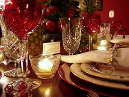 Decorations:Dazzling Christmas Table Setting With Apple Tree And Ceramic  Cutlery Sets Dazzling Christmas Table