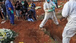 COVID-19/ Brasil: São Paulo vai desenterrar ossadas para criar espaço em  cemitérios