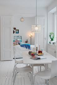 Home Designs: Romantic White Apartment Decor - Decor