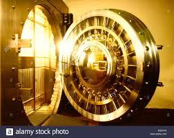Decorating circular door images : conceptual golden view of a bank circular door vault Stock Photo ...