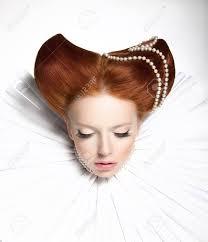 おとぎ話劇場空想中世フリル 幻想的なレトロな髪型の女性