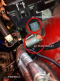 purpose of plug right under the fuse box is it ac pics plugs right in but no ac light