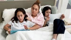 Así lo demuestran ésta y las muchas otras. La Primera Sesion De Fotos De Los Hijos De Jennifer Lopez Y Marc Anthony Como Modelos Meganoticias