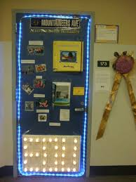 Sharing Ideas: door decorating contest