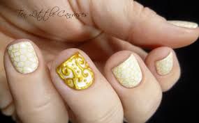 Simple white mani with gold relief accent nail