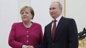 Angela Merkel trifft Wladimir Putin in ...