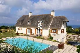 maison avec piscine en bord de mer penoual 22