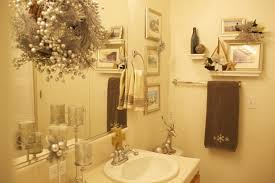 how to decorate a bathroom. bathroom christmas decoration: easy to apply ideas this year on budget | decorating . how decorate a