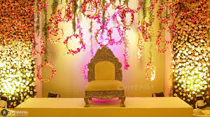 fl 2 1024x573 types of wedding decorations you need to know before talking to