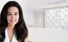 Plastic surgeon in Montreal   Dr Sandra McGill