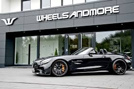 Engine, safety ratings, fuel economy, dimensions and more. 577 Hp Not Enough Mercedes Amg Gt R Roadster Gets Powered Up Carscoops