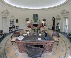 the white house oval office. Along With The Chief White House Floral Director, I Had On A Few Occasions, Placed Centerpiece, After Honor Of Creating It In Flower Room At Oval Office