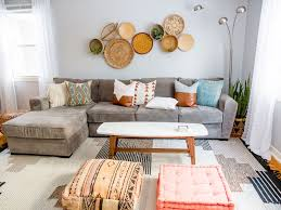 how to mix and match throw pillows like