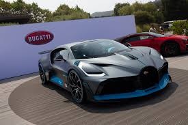 That's entirely from the aerodynamic changes, because the divo's w16 engine remains untouched at 1,500 horsepower. Bugatti Bugatti Divo Monterey Car Week Pebble Beach 2018 Supercars Digital Trends