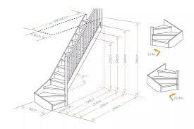 Alle mittelholmtreppen werden inklusive einseitigem geländer geliefert. Holztreppe Casablanca Gewendelt Aus Fichte Oder Buche