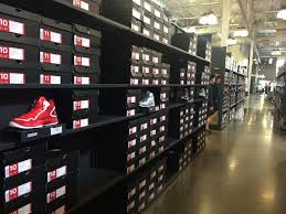 nike employee store rows of awesomeness phil whitehouse flickr nike employee store by phillie casablanca