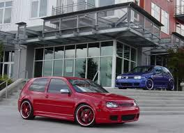 volkswagen golf r32 2002. the volkswagen golf r32 come from plain ole 4th generation vw which did not make an official introduction in malaysia because at time there was 2002