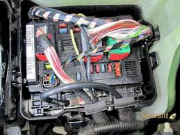 peugeot 1007 fuses fusebox the engine compartment fusebox is under the bonnet to the right of the battery when standing in front of the car access is by pushing the clip holding the
