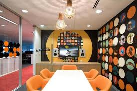 ... Best-office-accessories-with-circle-pattern-wall-and-