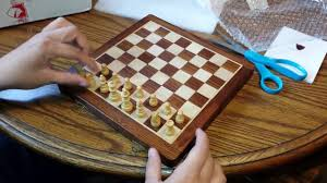 unboxing a 10 wooden magnetic chess set from chessbazaar com you