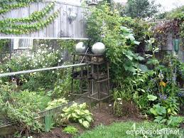 garden mirrors. How To Use Mirrors In The Garden For Safe, Creative, Wonderful Effects