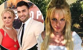 Sam asghari defends 'authentic' girlfriend britney spears after author calls her instagram posts 'scary'. Britney Spears Boyfriend Sam Asghari Leaps To Her Defense After Commenter Calls Her Posts Scary Daily Mail Online