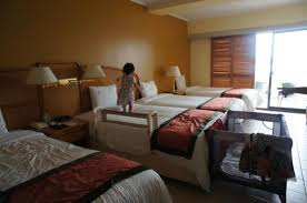 Hotel Nikko Guam: room with four beds